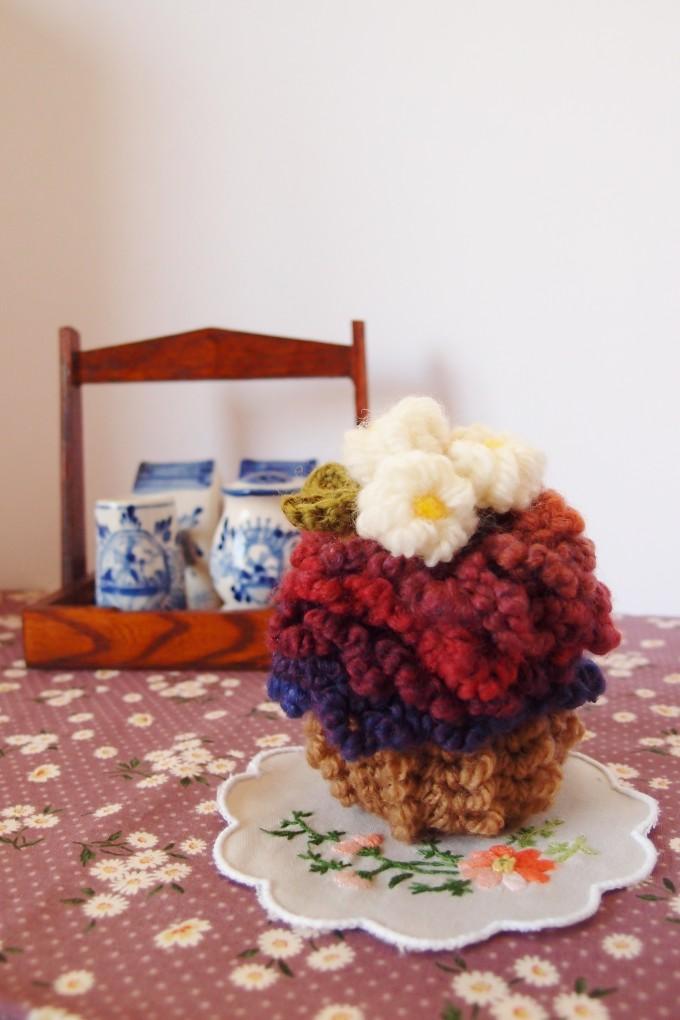 毛糸のカップケーキ