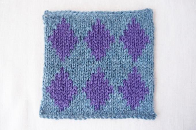 縦糸渡しの編みこみ模様