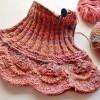 ひき揃えの糸で編んだネックウォーマーが(ほぼ)完成しました!
