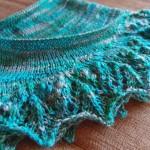 悪戦苦闘したAnnis shawl が、やっと完成しました!