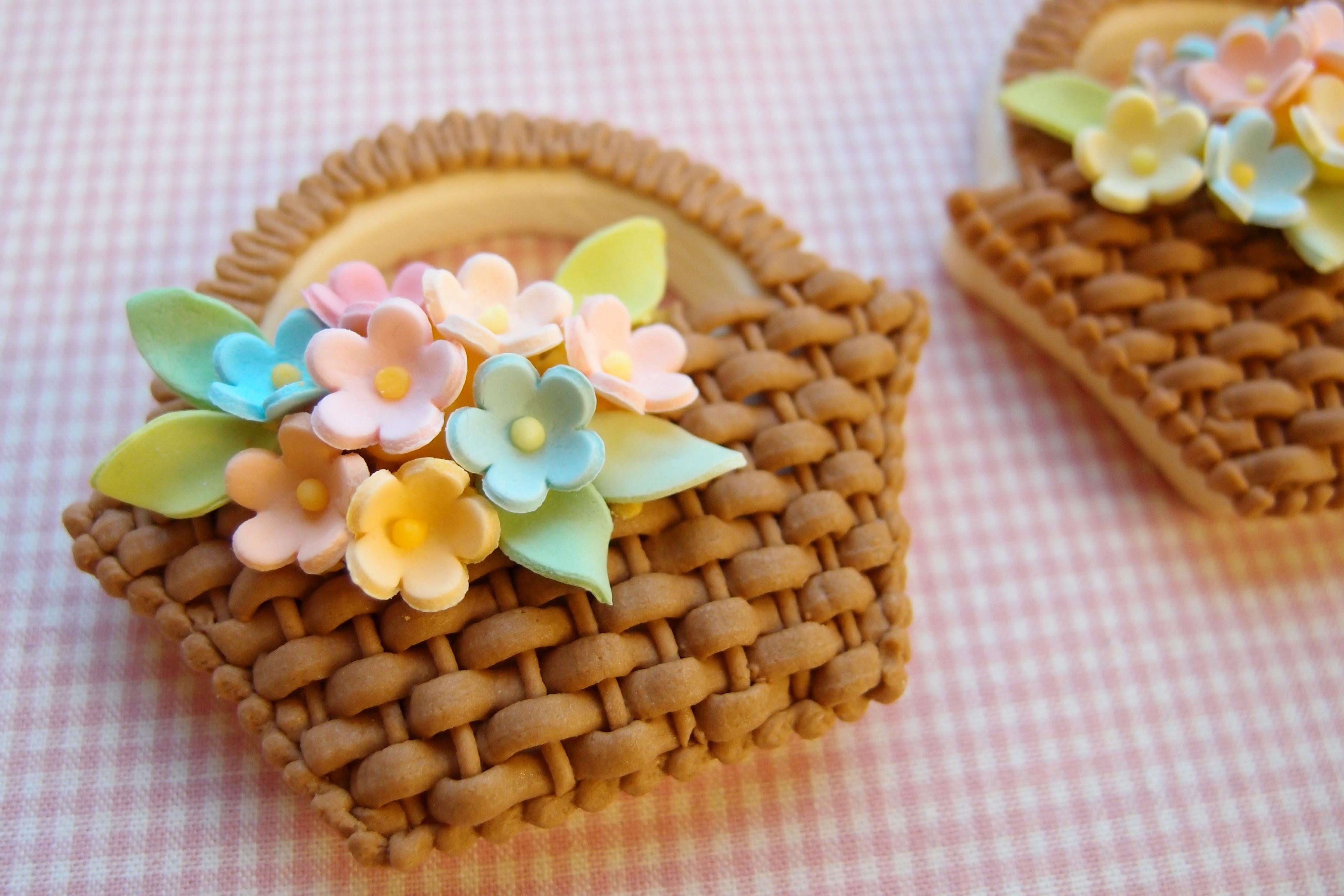 バスケット絞りの花かごアイシングクッキー