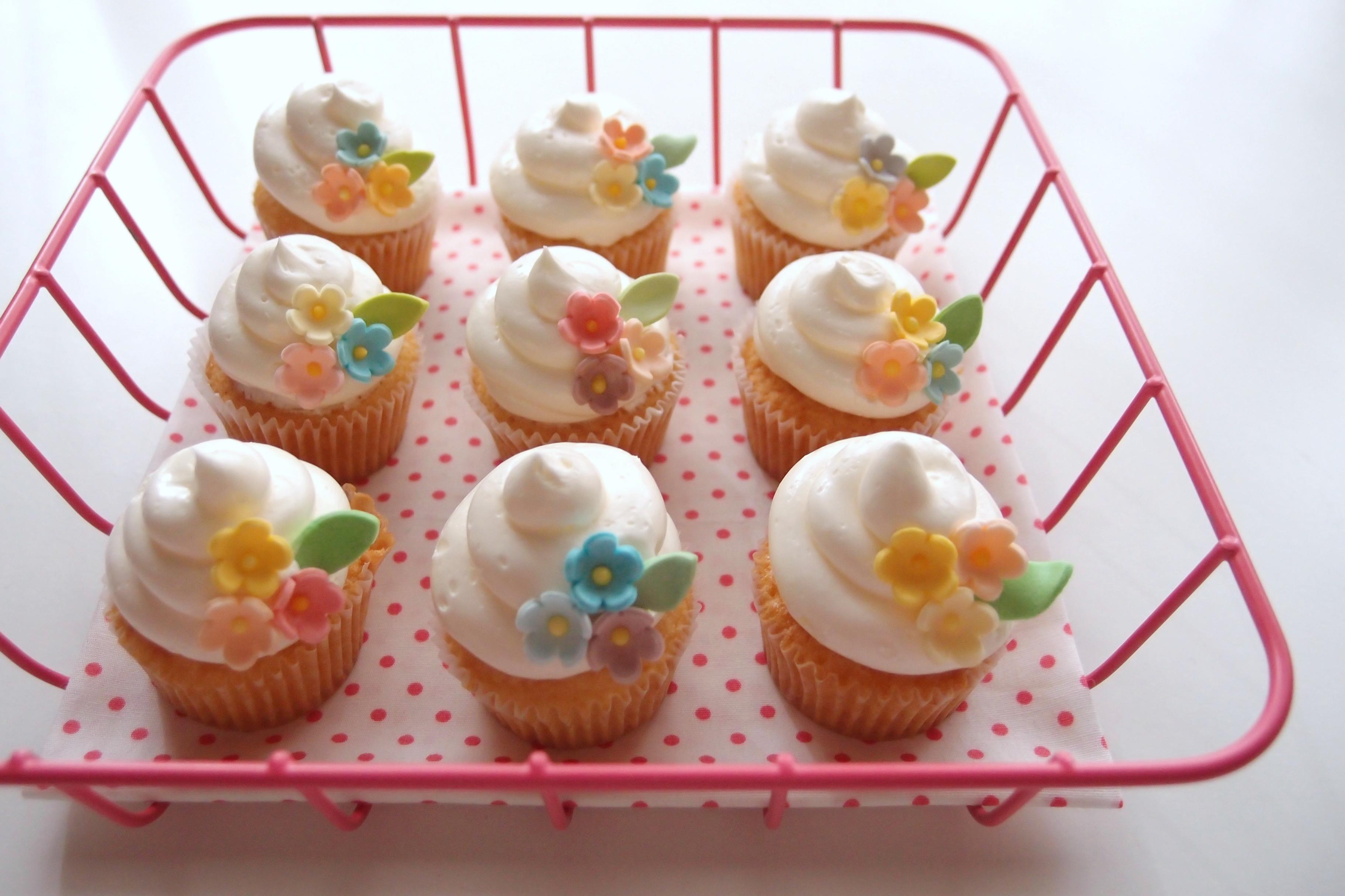 ウィルトンのミニカップケーキの型。一口サイズのかわいいカップケーキが作れます。