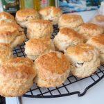 イギリスでも、お菓子作りをぼちぼち始めました。編み物はもうしばらくお預けです^^;