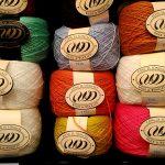 【エストニア】Wool & Woolen ーエレガントでおしゃれな毛糸屋さんで、意外なものを発見しました!
