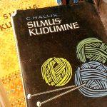 【エストニア】タリンの本屋さんで見かけた手芸本。エストニアの編み物本は完成度が高いです!