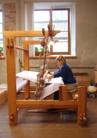 【リトアニア】リトアニア国立文化センターで、機織りを見学するという貴重な体験をさせていただきました!