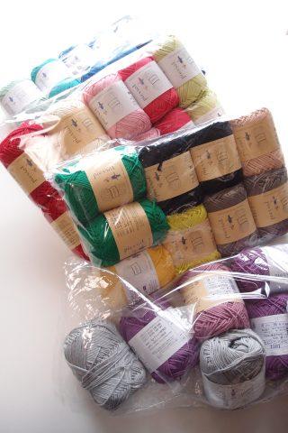 毛糸ピエロさんで糸を追加購入。コットン・ニィートシリーズはグラニースクエア編みに最適の糸です