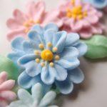 久々のお花絞り。今回は様々なサイズのお花を絞ってみました!