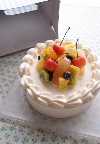 100均(ダイソー)のケーキボックスを購入するときの注意点。ケーキの号数に合わせると危険かも