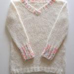 イトコバコの「シンプルなVネックセーター」を編みました!編んでいて感じたことや学んだことなど。