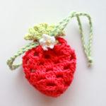 グラニースクエアのイチゴのポーチを編んでみました