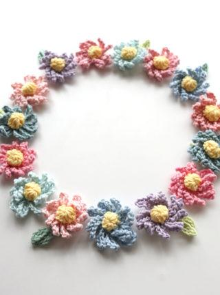 余り糸消費作戦!以前編んだ、かぎ針編みのお花のモチーフをたくさん編んでいます
