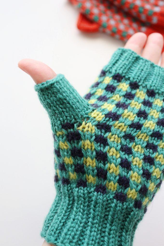 ハンドウォーマーの編み方